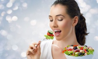 シンプルだから続く。「ゆっくり噛むダイエット」の効果がすごい!