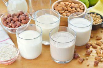 【スーパーフード】ローラやミランダ・カーも実践!スーパーミルク健康法