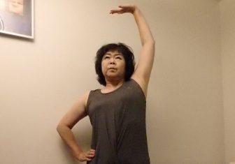【オバ記者連載3】運動後の手の平上げストレッチが肩に効く