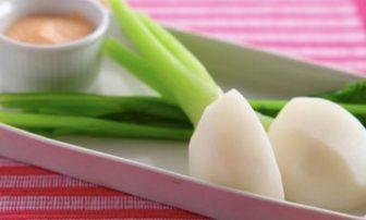 【旬菜】レモンが爽やかな「蒸しかぶの明太ディップ」