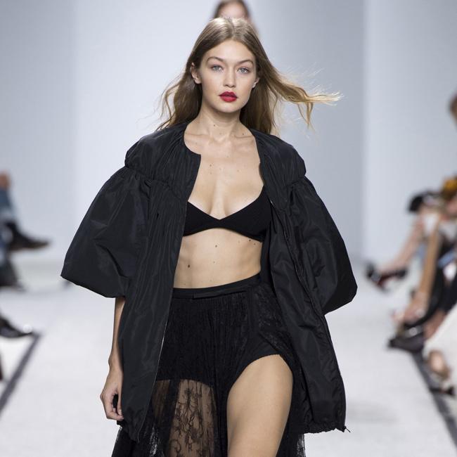 Gigi Hadid Runway Giambattista Valli- Paris Fashion Week Pictured: Gigi Hadid Ref: SPL1367279 031016 Picture by: Splash News Splash News and Pictures Los Angeles:310-821-2666 New York: 212-619-2666 London: 870-934-2666 photodesk@splashnews.com
