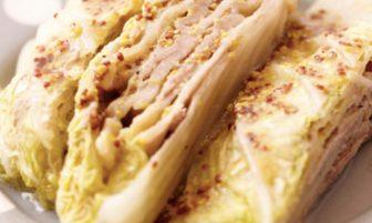 【旬菜】豚肉のうまみが味わい深い。「白菜と豚肉のミルフィーユ仕立て」