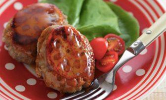 【旬菜】便秘改善や美肌に。異なる3種類の食感が楽しい「れんこんバーグ」