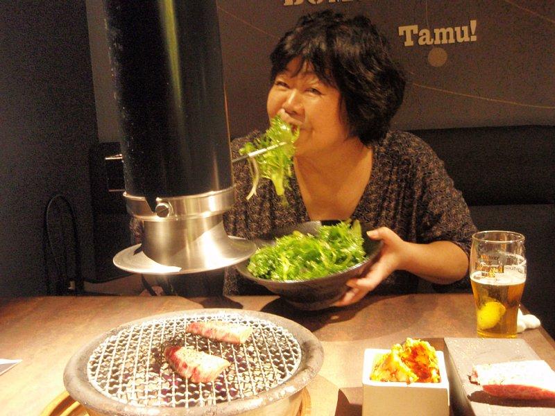 外食でも野菜を摂るオバ記者