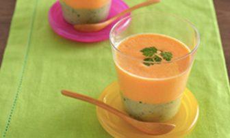 【旬菜】食物繊維もたっぷり!小松菜×にんじんで美肌に◎な「2色スムージー」