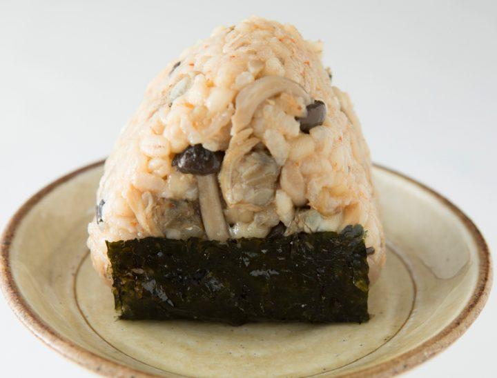 「キムチとあさりの炊き込みご飯」