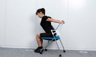 PC疲れを【筋膜リリース】で。背中痩せにも役立つストレッチ