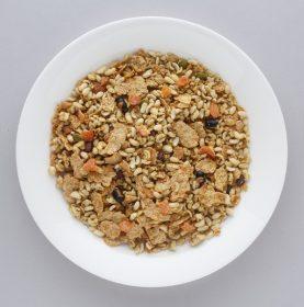 代謝UPに◎!【最新グラノーラカタログ】栄養豊富な玄米系&大麦系7選