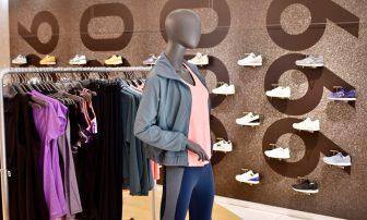女性向けにリニューアル。ファッション性◎のアイテムが揃う「ニューバランス青山」