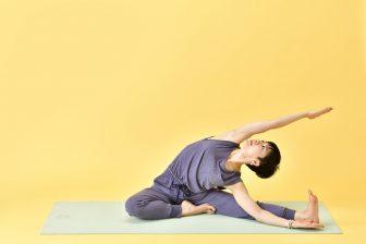 毎晩5分で、お腹痩せ&脚痩せ【夜活ヨガ】で下半身のむくみを改善!