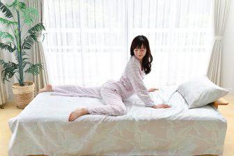 ぽっこりお腹を改善!寝起きにベッドで「ウエストシェイプ」