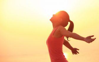 体の不調、ビタミンD不足が原因?週2回、5~15分の日光浴を