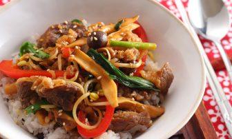【便秘改善レシピ】食物繊維が豊富な「きのこたっぷり韓国風プルコギ丼」