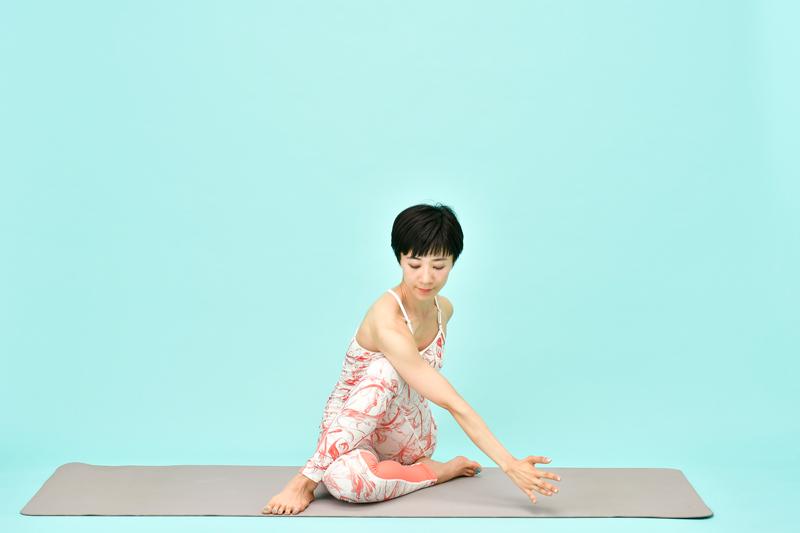 AsakatsuYoga_HanbunNoSeija05_50D2485