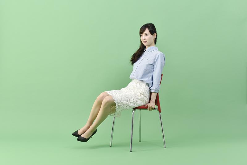 小林_椅子くびれ3