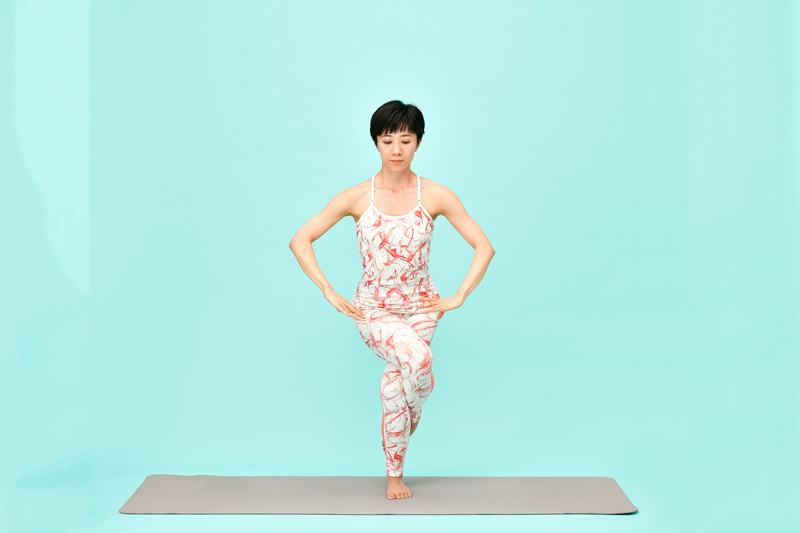AsakatsuYoga_WashiNoPose03_50D2252