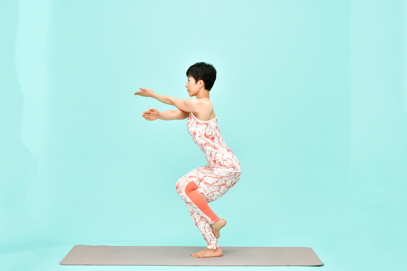 AsakatsuYoga_WashiNoPose04_50D2277