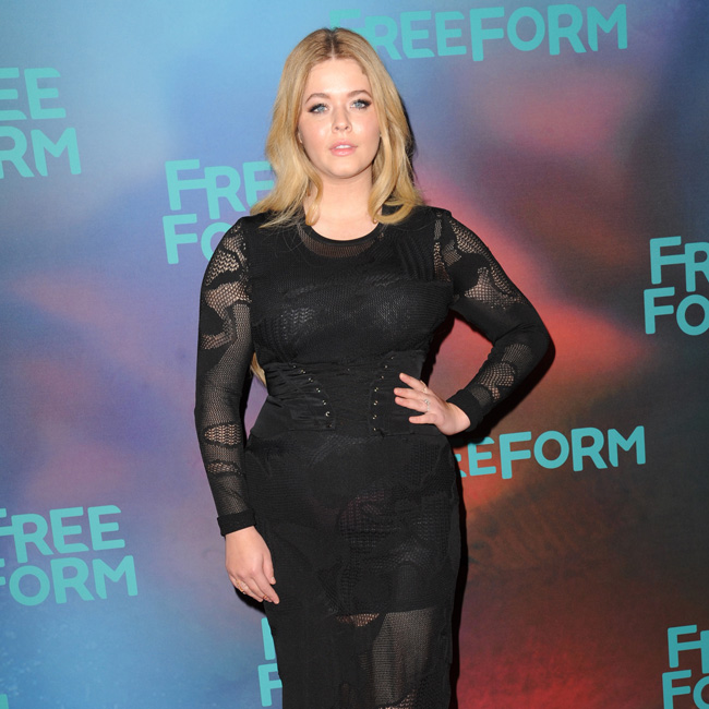 Sasha Pieterse attending the Freeform 2017 Upfront at Hudson Mercantile on April 19, 2017 in New York City. BANG MEDIA INTERNATIONAL FAMOUS PICTURES 28 HOLMES ROAD LONDON NW5 3AB UNITED KINGDOM tel +44 (0) 20 7485 1005 e-mail info@famous.uk.com