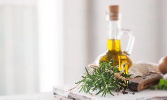 MCTオイルやギーなど【痩せる食べ方Q&A】ダイエットに役立つオイルはどれ?