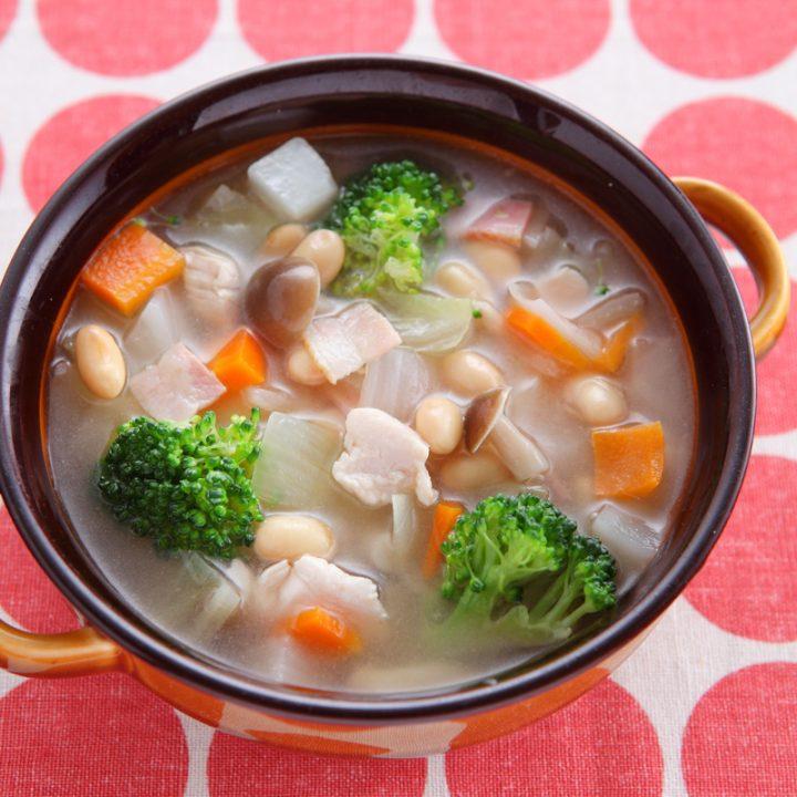 「大豆のコンソメスープ煮」