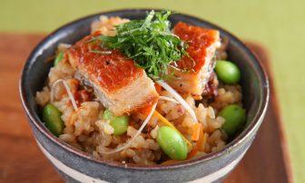 食べ過ぎをリセット!【痩せレシピ】免疫力アップに役立つ「うなぎの混ぜごはん」