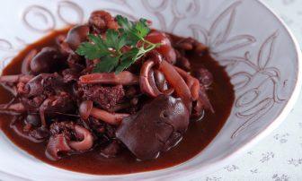 食べ過ぎをリセット!【痩せレシピ】脂質の代謝に役立つ「牛肉とレバーのケチャップ煮」
