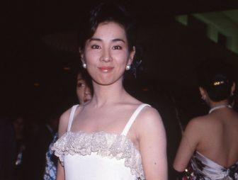 吉永小百合は自作の白ドレス、松坂慶子は大胆な花柄…懐かしの秘蔵写真を公開!