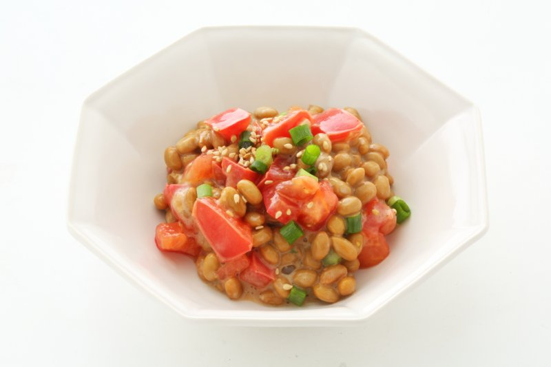 トマトの万能だれがかかった納豆