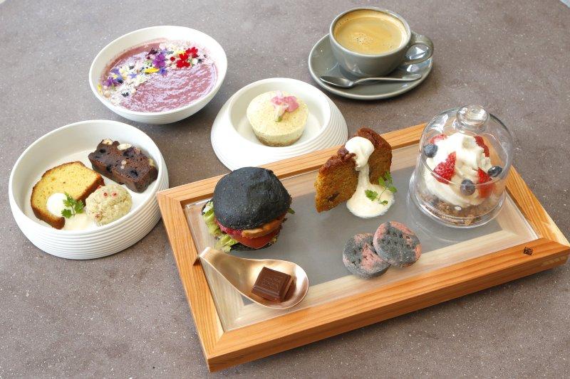 Cosme Kitchen Adaptation 阪神梅田本店のビューティースイーツアフタヌーンティーセット