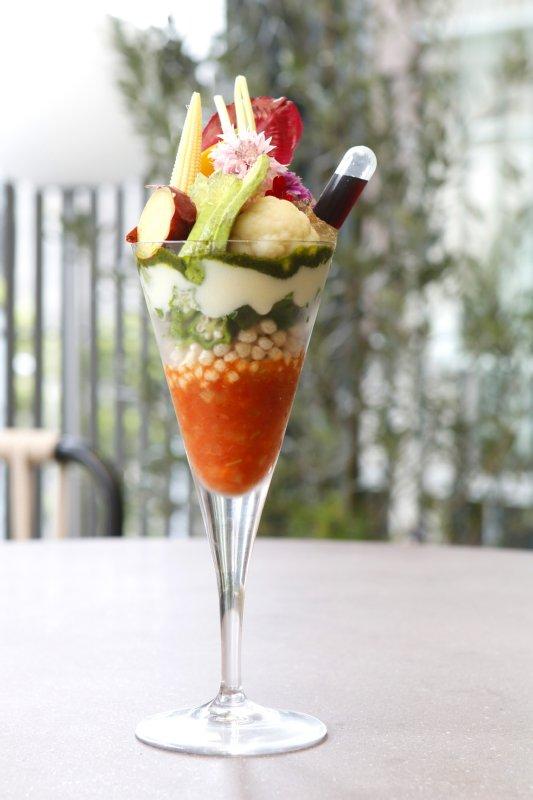 ビューティースイーツアフタヌーンティーセットの彩野菜のVEGEパフェ