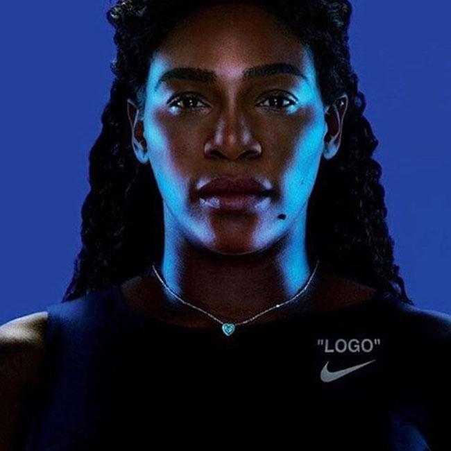 ナイキのテニスウェアを着たセリーナ・ウィリアムズ