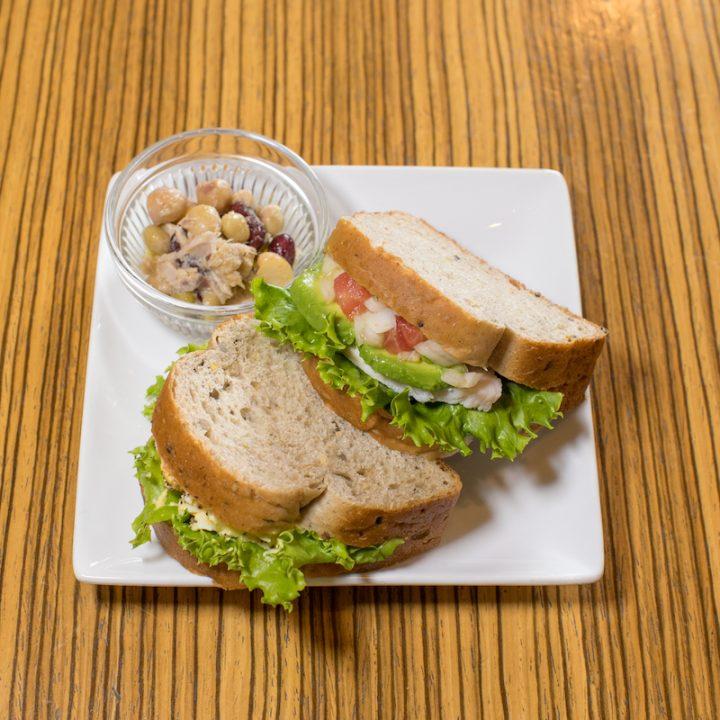 チキアボサルサソース&ノニ卵サンド