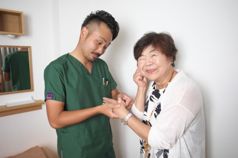 関口賢氏とオバ記者こと野原広子