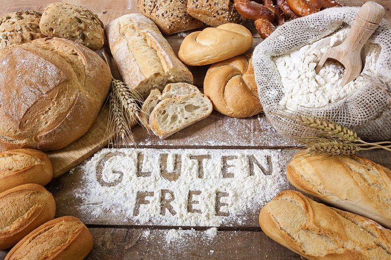 グルテンを使ったパンが置かれている