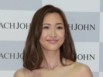 紗栄子で注目「胸鎖乳突筋」を顔の1分筋トレで鍛えて小顔&きれい姿勢ゲット