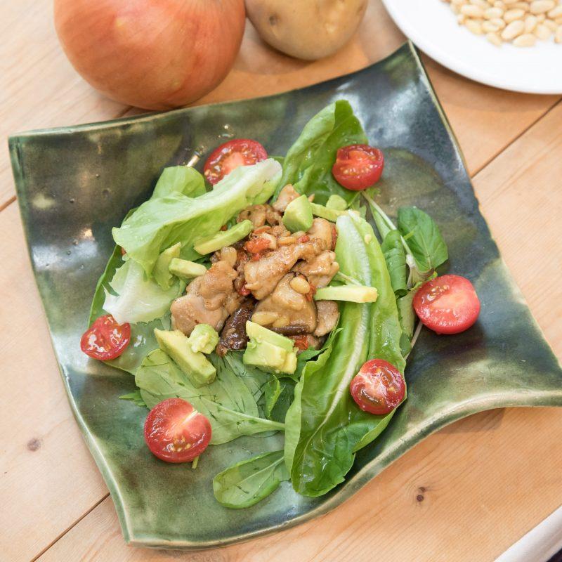 薬膳料理のモデルサラダ