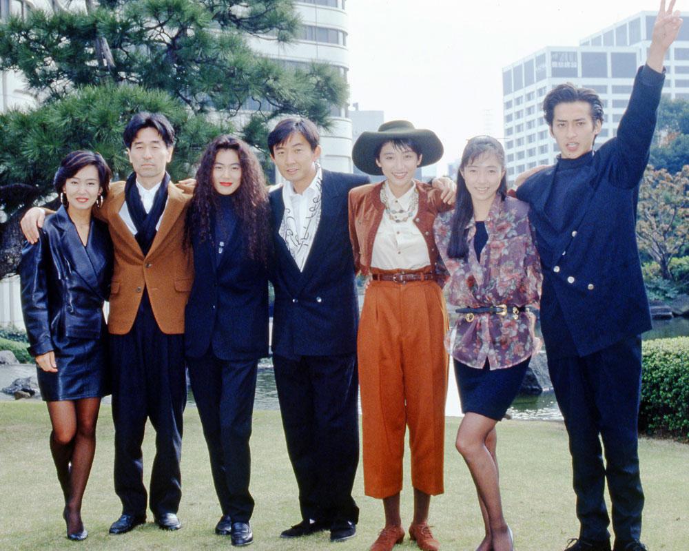 1990年放送『想い出にかわるまで』会見(左から響野夏子、財津和夫、今井美樹、石田純一、松下由樹、 高樹沙耶、大沢樹生)