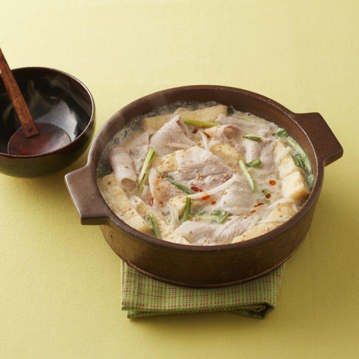 豚バラ肉のごまラー油鍋