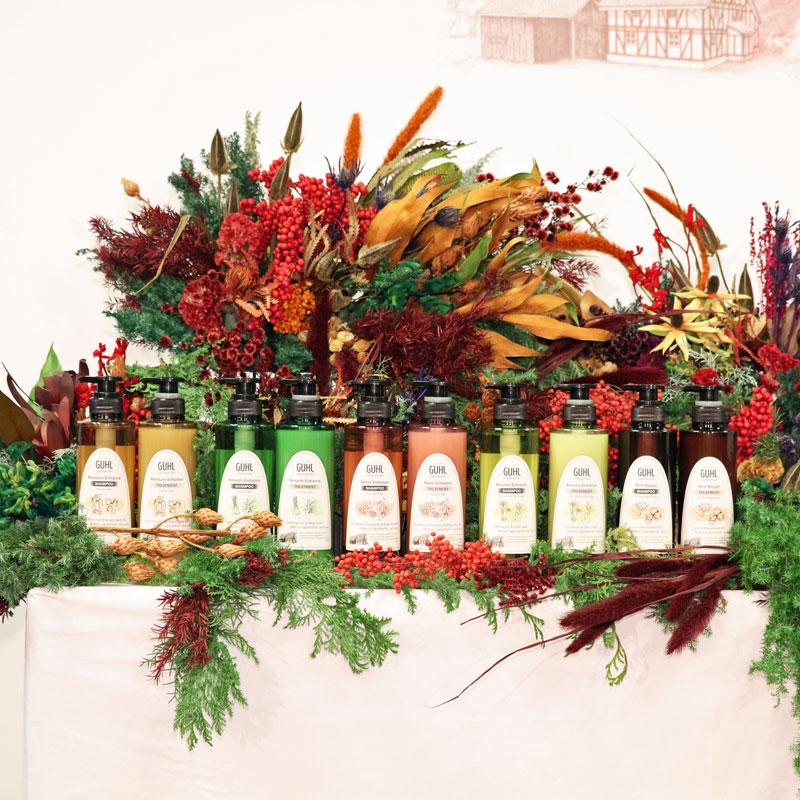 花王の植物美容ヘアケアブランド『GUHL LABORATORY』の商品が並ぶ
