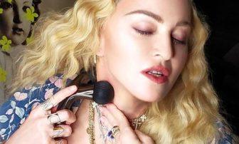 マドンナが共同開発の美容ローラー『オニキスブラック』の効果と使い方をチェック!【お試しレポ】