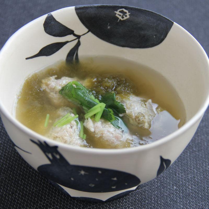 カンタン鶏つくねのとろろ昆布と梅干しのスープ