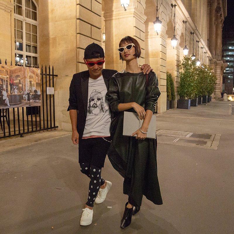 パリでデートする剛力彩芽と前澤友作氏
