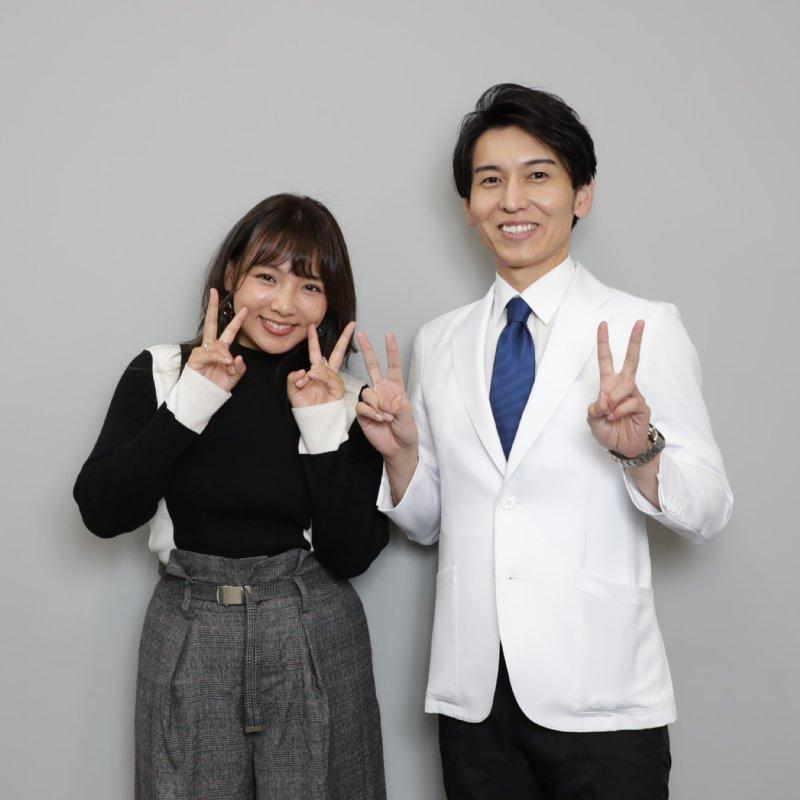 Vサインする野呂佳代と工藤孝文さん