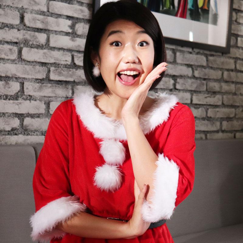 サンタクロースのコスプレ姿の横澤夏子