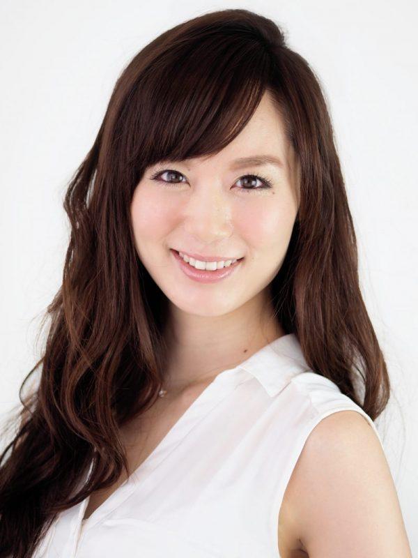 睡眠改善インストラクター・パーソナルボディトレーナーの小林麻利子さんの顔