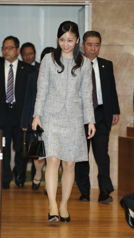 佳子さま ドレス