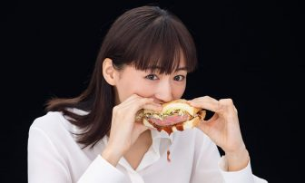 綾瀬はるかが美の秘訣を告白!食事の回数を減らすより「運動してなるべく無駄なものを食べない」