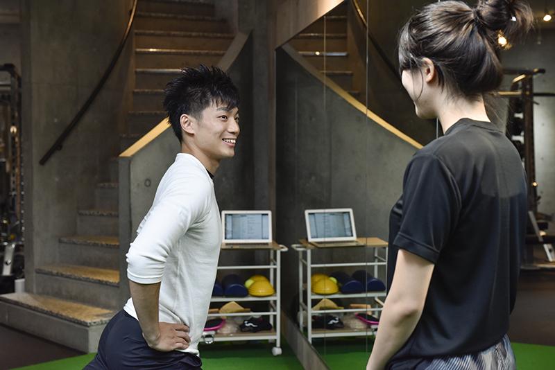 「Dr.トレーニング」中目黒店店長の東田雄輔さんのトレーニング風景