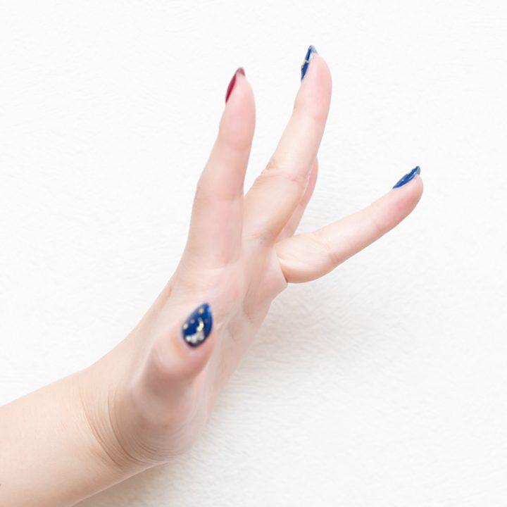 目のむくみ取りをするときの指