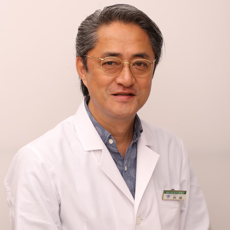微笑む西脇俊二医師